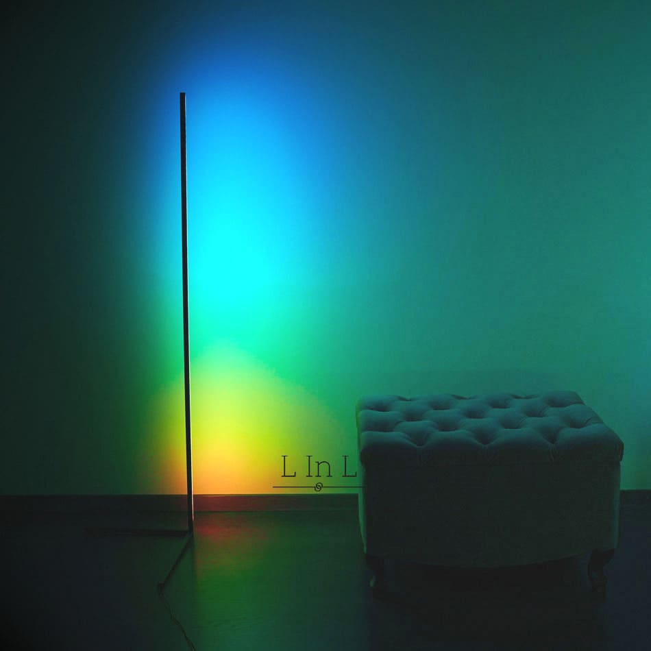 Sindra lamp colorful next to wall light