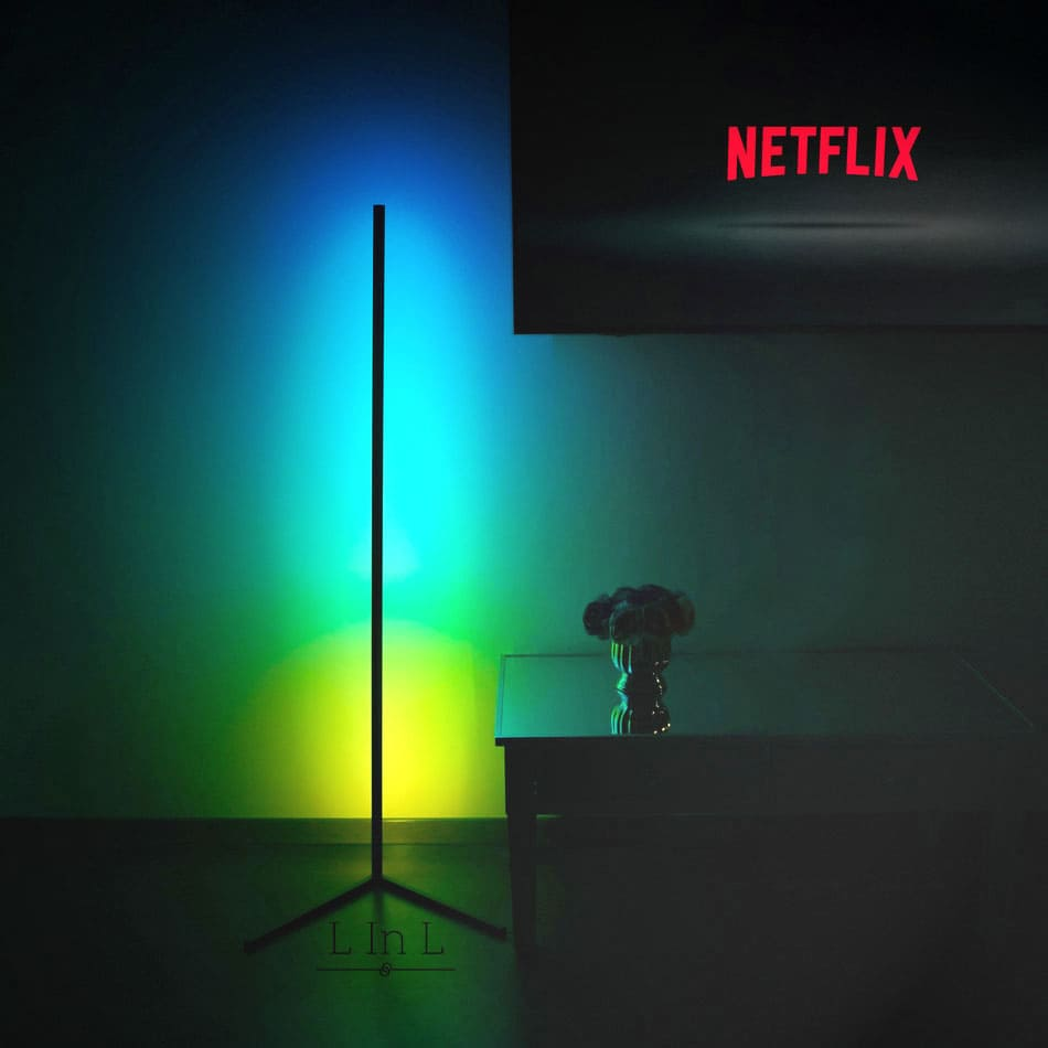 Sindra lamp colorful with Netflix light
